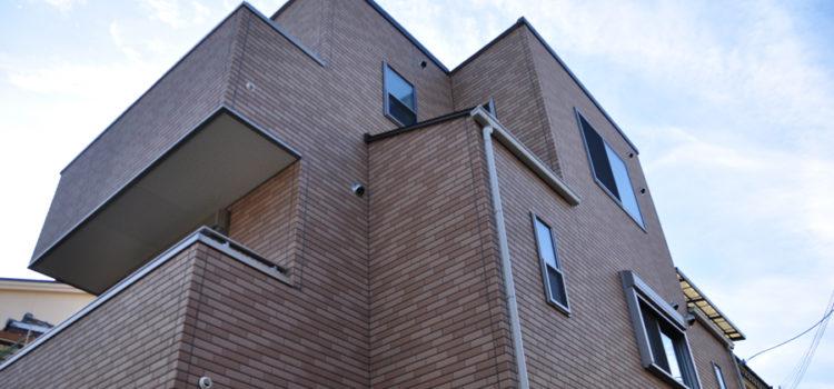 ホームエレベーター&ジェットバス付き狭小3階建て住宅。
