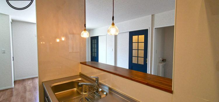 カフェ風シンプルモダンの3階建狭小住宅
