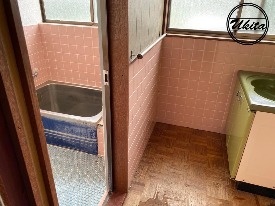 古民家リノベーションお風呂洗面ビフォー